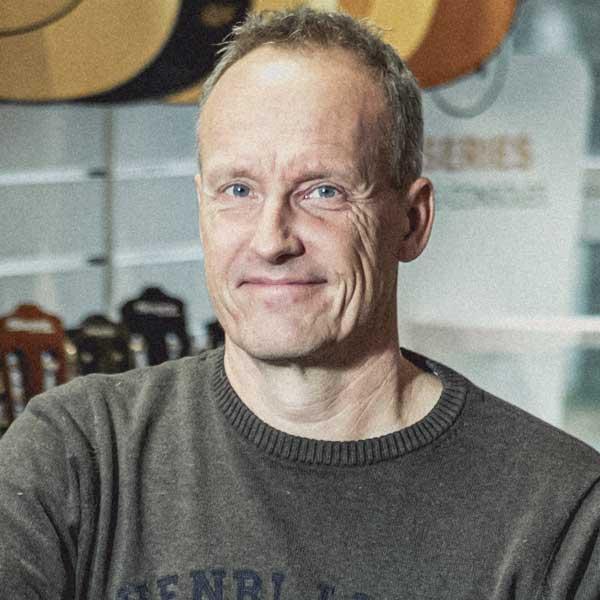 Kurt Schmidt, Tlf: 22 98 93 97, ksc@danmusicpartner.com